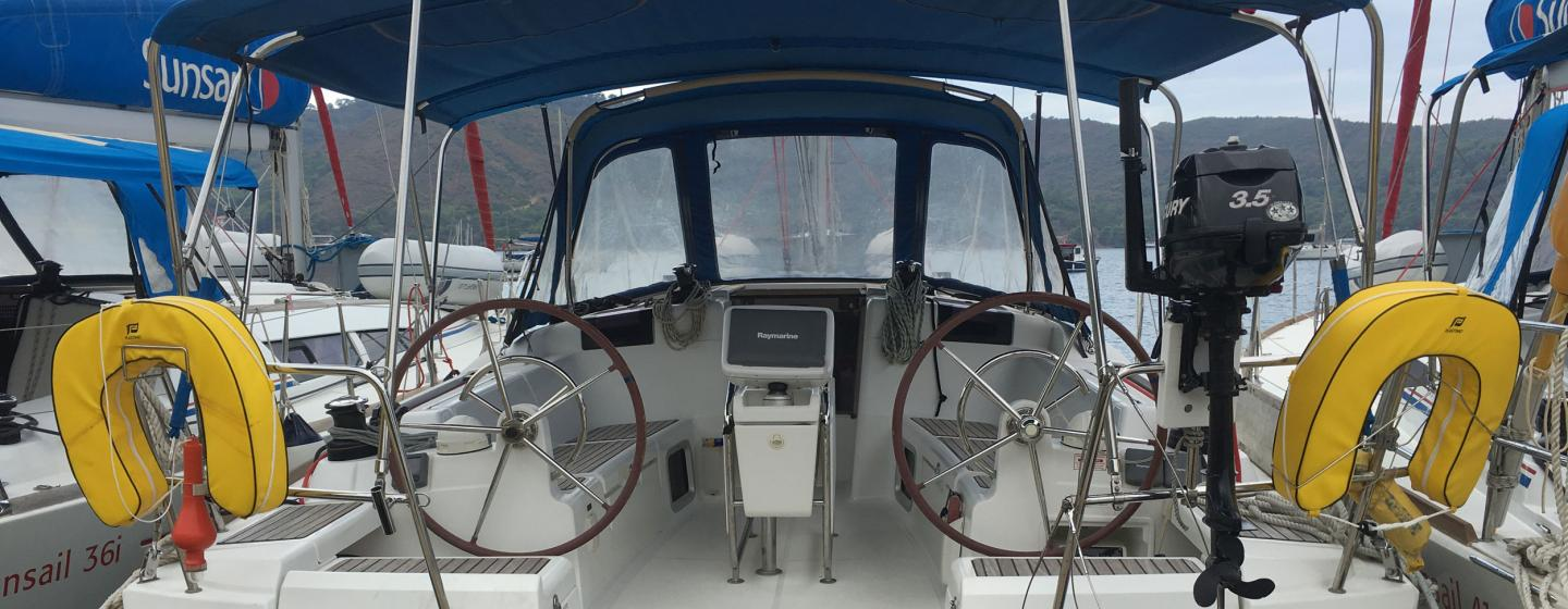 Sunsail 444 for sale - Sunsail 444 For Sale 27